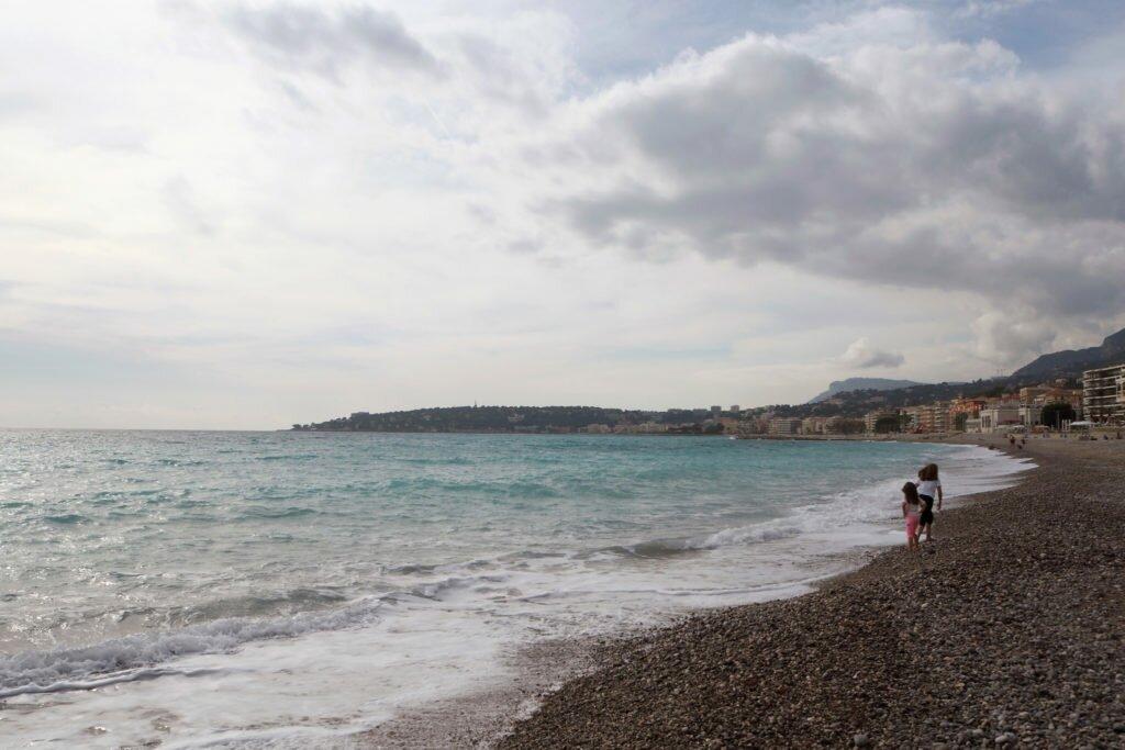 Menton beach 09