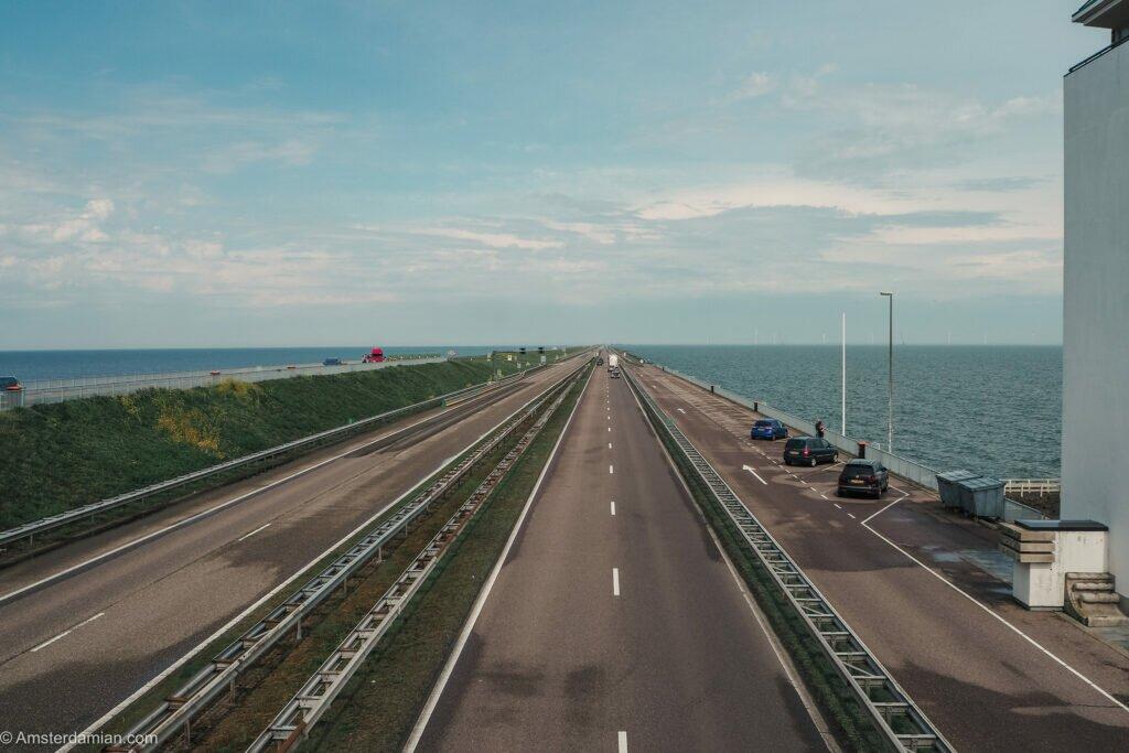 The Afsluitdijk 11