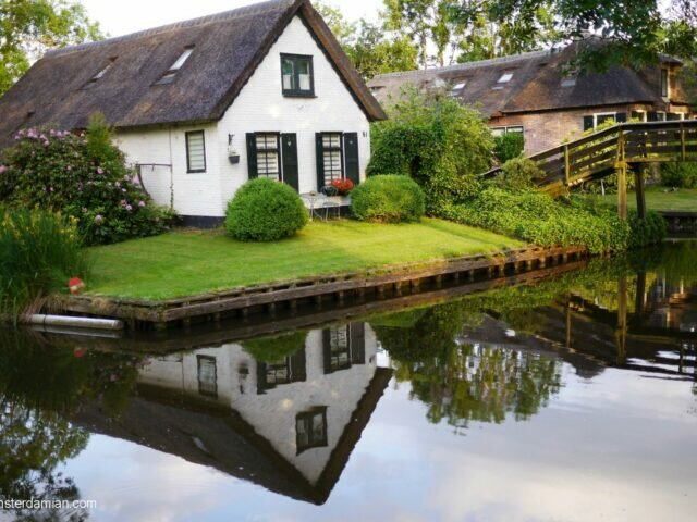Visiting the fairytale village of Giethoorn