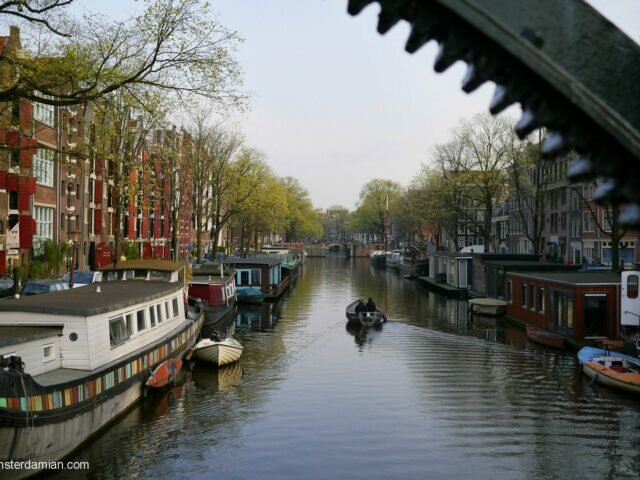 Amsterdam is not Venice of the North